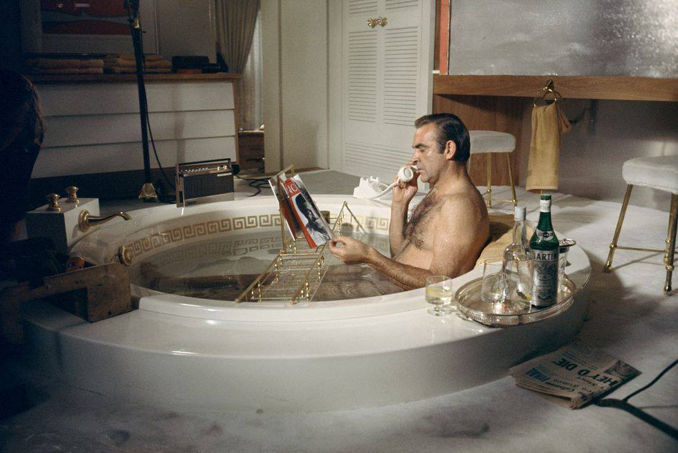 Картинки мужчин в ванной